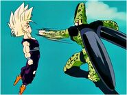 Gohan equivando el ataque de cell