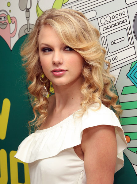 Images432084 taylor swift trl 06-x600
