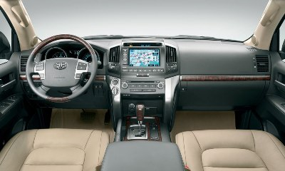 Toyota Land Cruiser V8 6 small