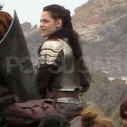 Snow-white-huntsman-2