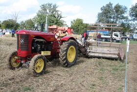 Massey-Harris 744PD MH binder IMG 6211