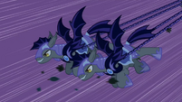 Luna&#39;s guards S2E04