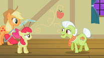 Granny Smith talks to Apple Bloom S2E06