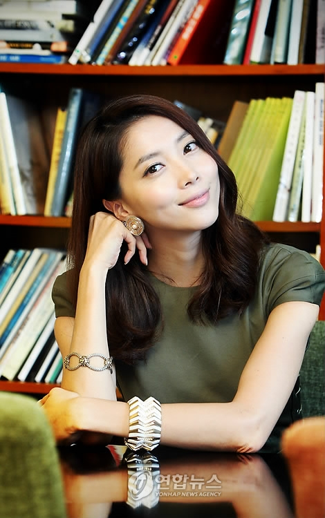 http://images3.wikia.nocookie.net/__cb20111114024808/drama/es/images/7/74/Oh_Yoon_Ah.jpg