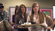 Shenae-on-Degrassi-7x01-shenae-grimes-8630996-624-352