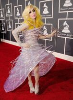 Lady-gaga-2010-grammy-awards-red-carpet-photos-01312010-02-430x586