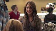 Shenae-on-Degrassi-7x01-shenae-grimes-8630994-624-352