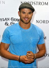TodoTwilightSaga - Kellan Lutz021