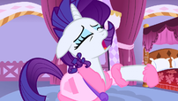 Rarity everypony laughing S1E14