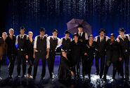 Cast-shot-from-Singing-In-the-Rain-Umbrella-performance-The-Substitute-glee-20519089-2560-1738