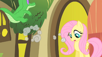 Fluttershy watches Pinkie collapse S1E25