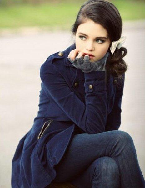 695b831b6511532 aka Raven Sarah Delaney