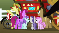 Ponies gather around the Super Speedy Cider Squeezy 6000 S2E15