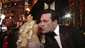 BAFTA-Awards-2012-Kiss-Piggy&JohnHamm