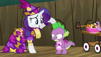 Rarity stroking Spike&#39;s spine S2E21