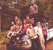 Season 1 cast Andrea, lori, glenn, Dale, sophia, T-Dog, Rick, Daryl, Shane, carl