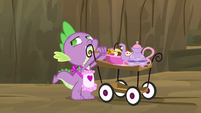 Spike with apron S2E21