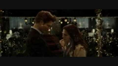 Edward and Bella - Blame It On the Weatherman.wmv