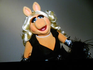 TheTrevorProject-TravorLive-MissPiggy-(2011-12-04)-02