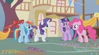Main 4 ponies and Spike wonder where Applejack has been S1E04