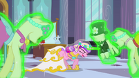 Chrysalis as Cadance with the mannequins S2E26