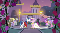 Shining Armor and Cadance about to dance S2E26