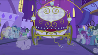 Carriage leaving S2E26