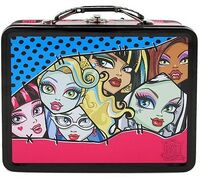 Tin Lunch Box -Close Up-