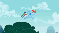 Rainbow Dash flying slowly S01E05