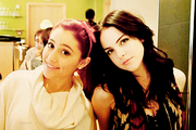 -3-ariana-grande-and-elizabeth-gillies-30424762-500-334