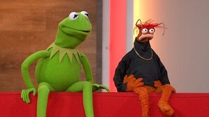 KermitandPepe-Daybreak-ITV-(2012.11.06)