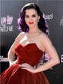 Katy Perry am 26.06.12.png