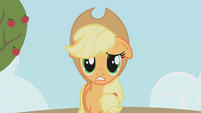 Applejack worried S1E04
