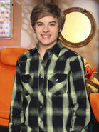 The-suite-life-on-deck-dylan-sprouse-4