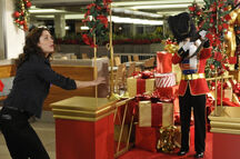 Warehouse13-Season-2-Christmas-episode-2
