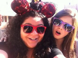 Laura-and-Raini-raini-rodriguez-trish-31865119-500-375