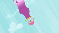 Cherry Berry plummeting in a hot air balloon S2E08
