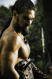 Khal-Drogo-game-of-thrones-20742562-1065-1600
