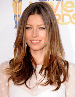Jessica-Biel-at-MTV-movie-awards