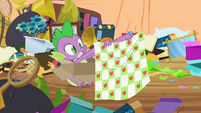 Spike with blanket S2E10