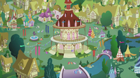 Zoomout of Ponyville as Apple Bloom sings &quot;I don&#39;t think that we&#39;re mistaken&quot; S2E17