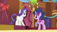 Rarity surprised at Twilight&#39;s mane S1E1