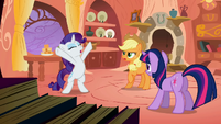 Rarity telling a story S1E8