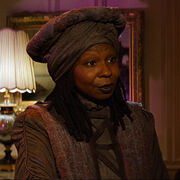 Guinan in the Nexus