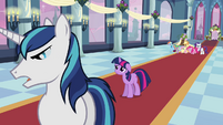 Shining Armor cuts off Twilight S02E25