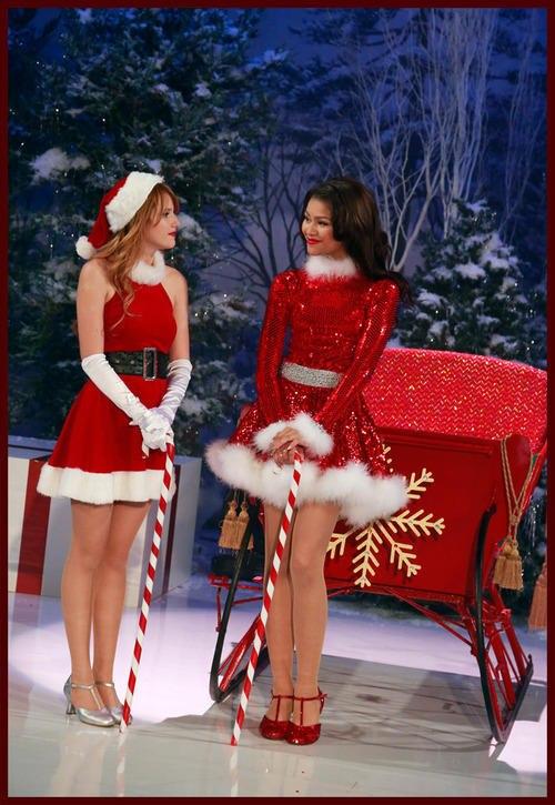 Videos: Shake It Up Christmas Music 2012 !
