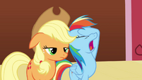 Rainbow Dash facehoof S3E3