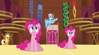 Rainbow &#39;Somepony&#39;s making balloon animals!&#39; S3E3