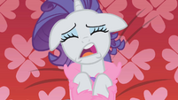 Rarity crying in her room S1E14