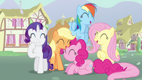 Rarity &amp; Rainbow Dash laughing S3E5